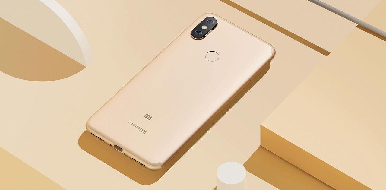 Xiaomi Mi A2 z Android One logotipom